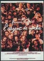 """Dans le même genre : 15 ans après Les 400 coups, François Truffaut consacre un nouveau film, plus joyeux, à l'enfance. La plupart des scènes du film montrent des enfants seuls, """"débarrassés"""" de leur parents. - L'ARGENT DE POCHE"""